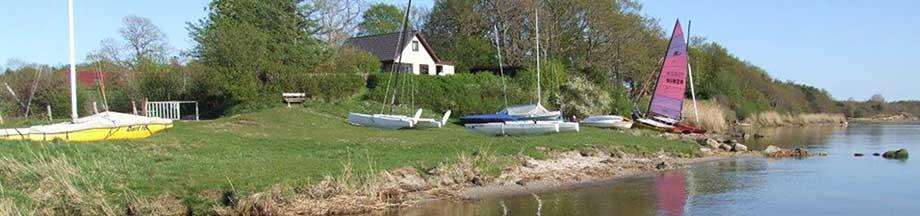 Idyllisches Uferleben in Weseby an der Schlei im Sommer