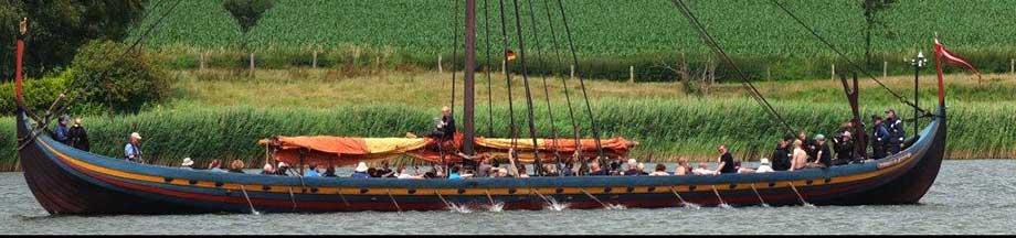 Orignalgetreuer Nachbau eines Wikingerschiffes auf der Schlei